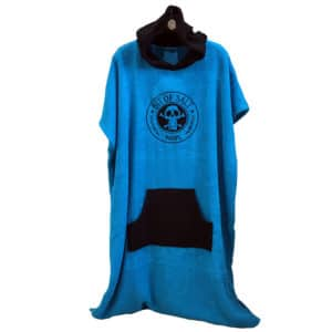 BIT OF SALT PONCHO sky blue - black